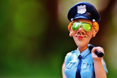 policewoman-985044_1920