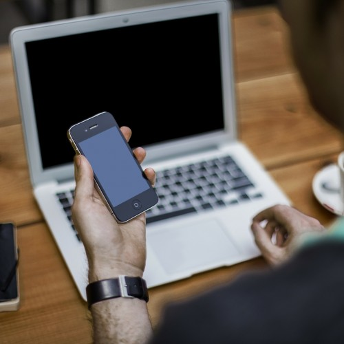 SNSご担当者さま必見!知っておくと便利なインスタグラムとFacebookの連携方法